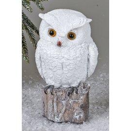 Eule 15cm auf Baumstupf Winterzeit