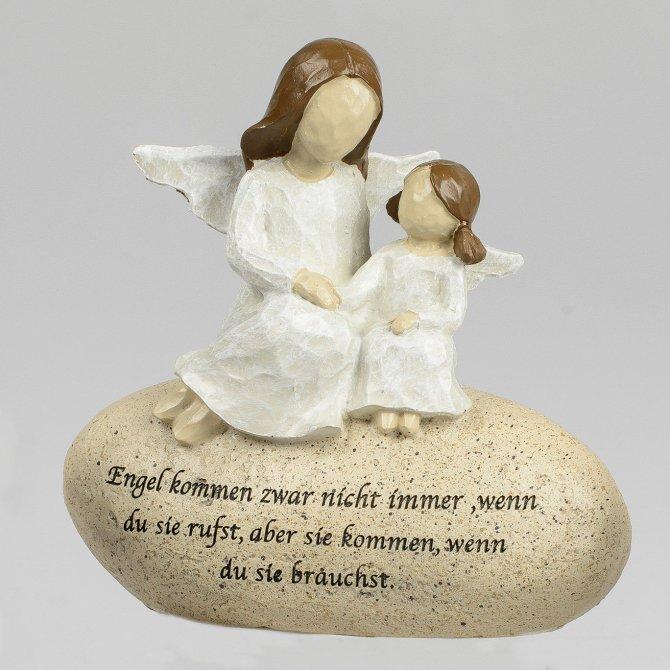 Figur auf Stein mit Spruch Engel