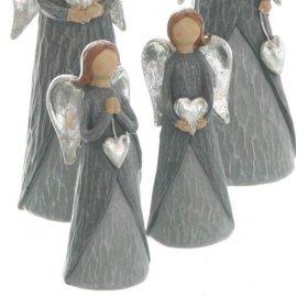 Engel mit Herz grau/silber 13cm