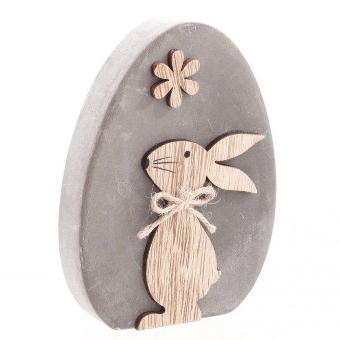 Ei mit Hase, Zement/Holz